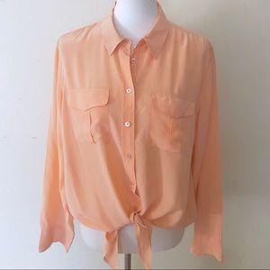 Equipment Femme Peach Silk Button Down Tie Large